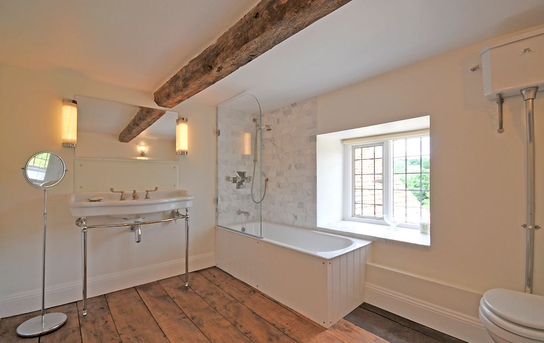 7-Bathrooms.jpg
