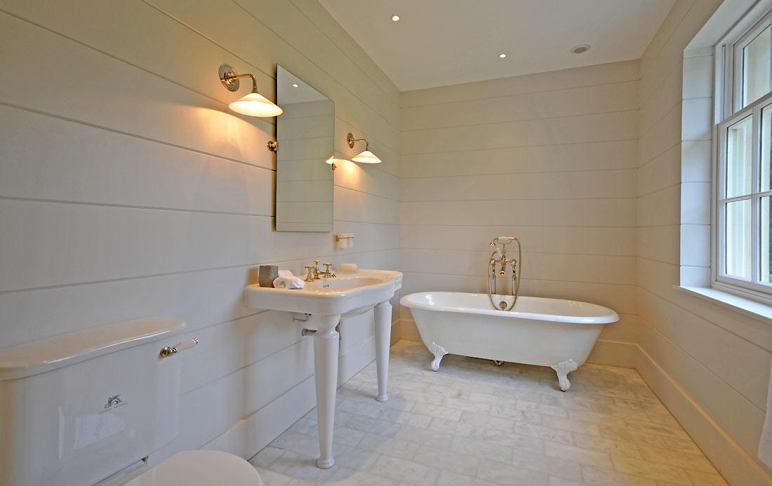 8-Bathrooms.jpg